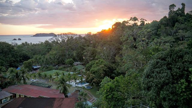 Costa Rica Backpacker