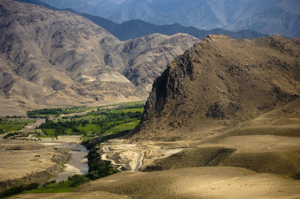 Backpacking in Afghanistan - schroffe Landschaft