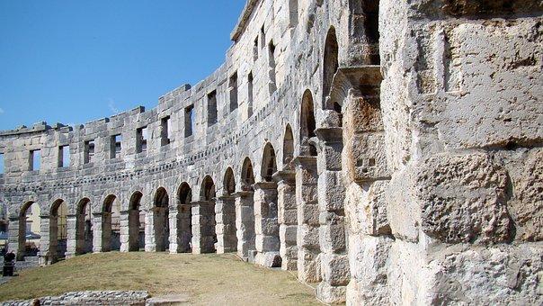 Colosseum von Pula