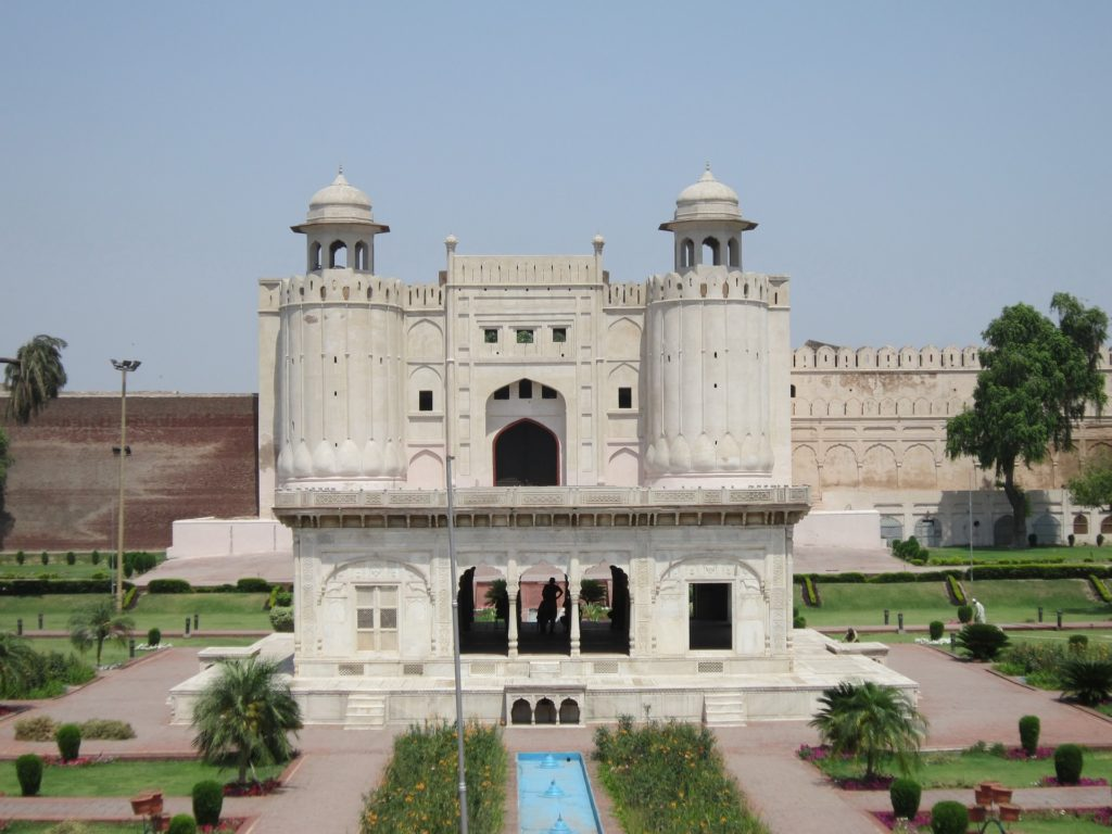 Backpacking in Pakistan - Fort Lahore bei Tag